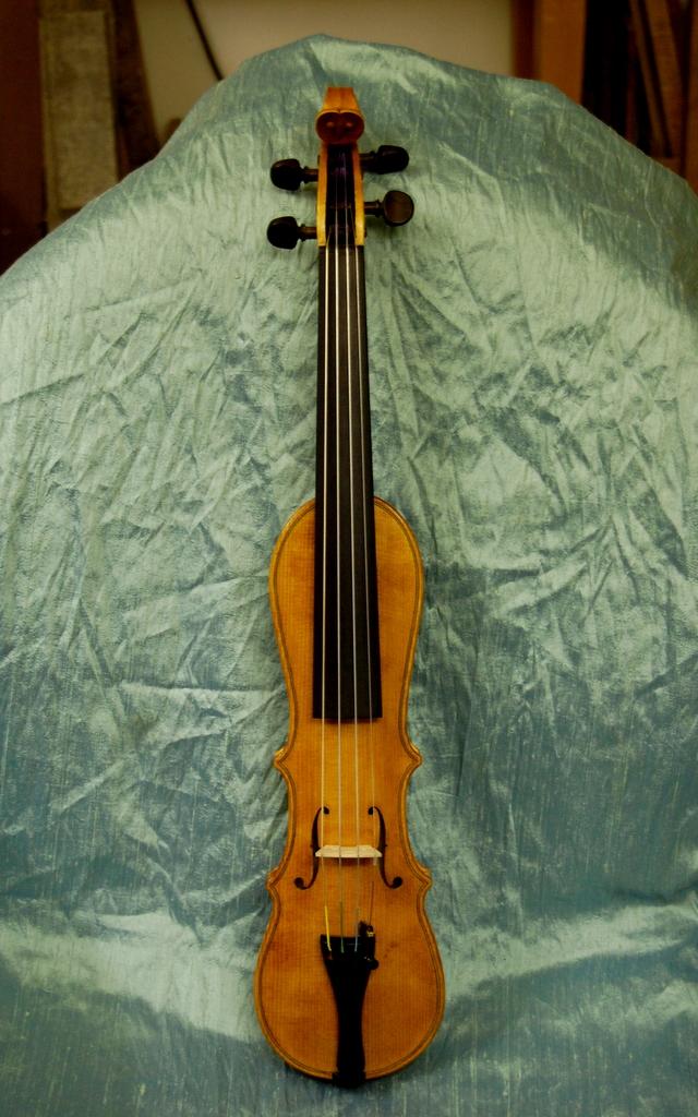violin making finely strung. Black Bedroom Furniture Sets. Home Design Ideas